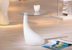Table d'appoint élégante.