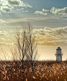 Lighthouse by Simon Latham, via 500px