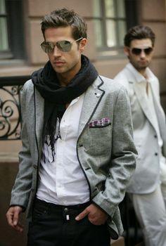 Las tendencias en gafas de sol para hombres  este otoño-invierno 2013/2014 beben del clasicismo combinado con la esencia más bohemia. Los g...