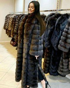 Nadire Atas on Women's Designer Fur Coats & Jackets Sable Fur Coat, Fox Fur Coat, Fur Coats, Fur Fashion, Winter Fashion, Mens Fur, Cyberpunk Fashion, Glamour, Fur Jacket
