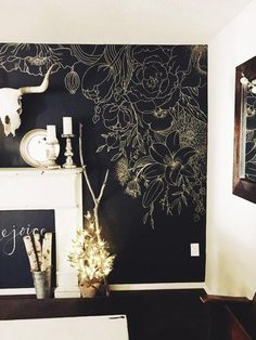Gold paint marker over black chalk board paint Chalk Wall, Chalk Board, Chalkboard Wall Bedroom, Blackboard Paint, Chalk Paint, Wall Wallpaper, Bedroom Wallpaper Gold, Office Wallpaper, Gold Bedroom