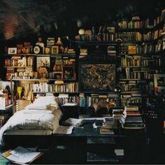 Cool #bedroom. #readers paradise
