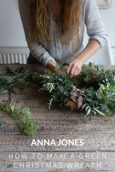 How to Make a Green Christmas Wreath Adventskranz The post How to Make a Green Christmas Wreath appeared first on Skandinavisch Diy. Christmas Wreaths To Make, Christmas Flowers, Burlap Christmas, Christmas Makes, Green Christmas, Noel Christmas, How To Make Wreaths, Holiday Wreaths, Christmas Decorations