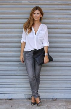 GREY JEANS