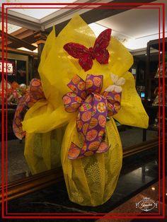 Huevo de Pascua listo para regalar. #bombonespeñalba #bombones #oviedo #chocolat #chocolate #chocoholic #huevosdepascua #pascua #instafood #regalos