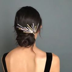 Starry-eyed over this starburst chignon.- Starry-eyed over this starburst chignon. 🤩 Jennifer Behr Starry-eyed over this starburst chignon. Chignon Hair, Headband Hairstyles, Girl Hairstyles, Wedding Hairstyles, Formal Hairstyles, Hairstyle For Girls Video, Holiday Hairstyles, Homecoming Hairstyles, Diy Hair Accessories