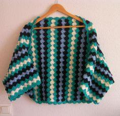 How to Crochet: texturierter Wellenstich Crochet Jacket, Crochet Cardigan, Knit Or Crochet, Crochet Shawl, Knitting Videos, Crochet Videos, Crochet Summer Tops, Crochet World, Crochet Clothes