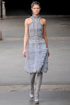 Alexander McQueen | Fall 2011 Ready-to-Wear Collection | Style.com