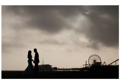 wedding photo during an eclipse. Mi Belle Photography.