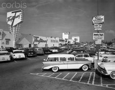 Shopping Center Parking Lot Stretched Canvas Print autor H. Armstrong Roberts w Allposters. Life In The 1950s, Thing 1, Vintage Trucks, Parking Lot, Shopping Center, Historical Photos, Vintage Images, Canvas Frame, Canvas Art