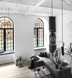 Wnętrze w bieli, projekt OIKOI, Agata Puławska, Sylwia Pogorzelska, fot. Black Oak Studio