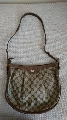 e9074179e292 301 Best Vintage Gucci bags images in 2019