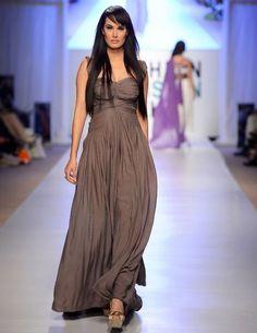 Trendy Designs By Designers On Fashion Week