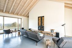 This Spanish Cottage Is Any Minimalist's Dream House | UltraLinx