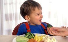 How much does a toddler should eat? ¿Cuánto deben comer los pequeños de la casa???   Source: http://www.eatright.org/Public/content.aspx?id=6442473440#.UL9324P8L3Q