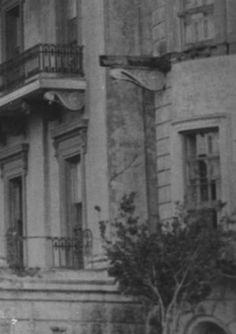 Belle Grove Plantation near White Castle Louisiana circa 1940 :: Louisiana Works Progress Administration (WPA) Abandoned Plantations, Louisiana Plantations, Queen Of The South, Song Of The South, Abandoned Buildings, Abandoned Places, White Castle Louisiana, Plantation Houses, Scary Houses