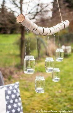 DIY branch chandelier www.schwestern-al .- DIY Ast Kronleuchter www.schwestern-al… DIY branch chandelier www.schwestern-al … - Garden Projects, Diy Projects, Outdoor Projects, Mason Jars, Branch Chandelier, Deco Champetre, Backyard Lighting, Outdoor Lighting, Wedding Lighting