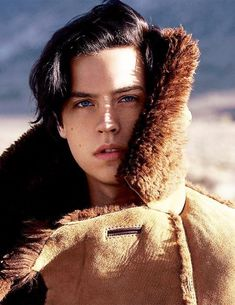 Cole Sprouse being so beautiful it hurts me. Dylan Sprouse, Sprouse Bros, Cole M Sprouse, Dylan Y Cole, Justin Campbell, Zack Y Cody, Cole Sprouse Jughead, Riverdale Cole Sprouse, Vanessa Morgan