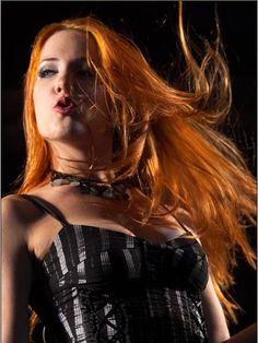 Femmes du Metal (depuis 2010): Photos - Simone Simons