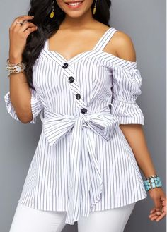 Women Blouse Designs, Women Blouses And Tops, Formal Blouses For Women Stylish Tops For Girls, Trendy Tops For Women, Blouses For Women, Blouse Styles, Blouse Designs, Shirt Bluse, Bow Tops, Mode Outfits, Ladies Dress Design