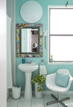 Tami was inspired to paint her bathroom turquoise after a trip to Destin, Florida.