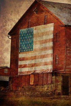 USA FLAG ON SIDE OF THE BARN