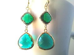 Lovely Emerald Green Gold Earrings,Drop, Dangle, Glass Earrings, bridesmaid gifts,Wedding jewelry