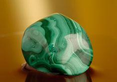 A malachitnak is hasznát veheted a pénzügyeidben. Mineral Stone, Feng Shui, Minerals, Stones, Magick, Malachite, Rocks, Rock