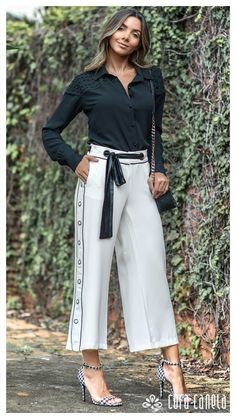 Gli Arcani Supremi (Vox clamantis in deserto - Gothian): Top fashion trends in spring 2019 Fashion Pants, Hijab Fashion, Fashion Outfits, Womens Fashion, Fashion Trends, Velvet Fashion, Pants For Women, Clothes For Women, Professional Outfits