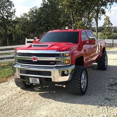jeeps and trucks Lifted Chevy Trucks, Gm Trucks, Chevrolet Trucks, Diesel Trucks, Cool Trucks, Pickup Trucks, Chevy 4x4, Gmc Diesel, Tundra Truck