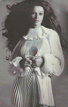 1968 Avedon  ,Julie Christie