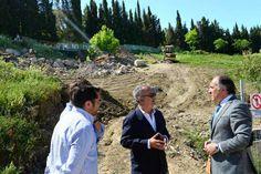El alcalde visita las obras para reparar el vial que conecta Cortijo Vides con Los Pastores