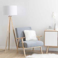 Lámpara con trípode de madera y algodón blanco Al. 156 cm KARLSEN