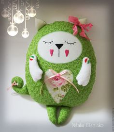 Игрушка зеленый кот