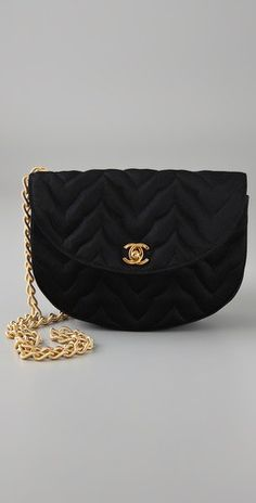One can never go wrong with a black chanel #bag