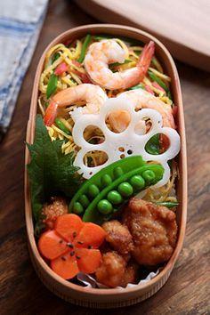 Japanese Chirashi Sushi Bento ちらし寿司弁当