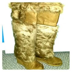 Boots Brand new boots with fur platform Shoes Combat & Moto Boots