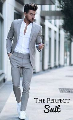 Suits are the ultimate definition of class and it gives the gentleman look whenever you wear it. There's no excuse for sloppy suit, get yourself a proper, tailored suit – and rock it! Blazer Outfits Men, Mens Fashion Blazer, Stylish Mens Outfits, Business Casual Attire For Men, Mens Casual Suits, Mens Suits, Ropa Semi Formal, Formal Men Outfit, Formal Dresses For Men