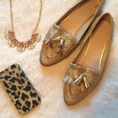 ✨Gold glitter loafers/flats✨ Excellent used condition. They are a bit narrow but are true to size via length. Witchery Shoes Flats & Loafers