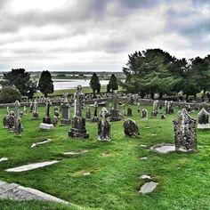 +++ Irland Impressionen +++ Die Klosteranlage von Clonmacnoise. Ein magischer Ort mitten in Irland.         Mehr Irland: http://nicolos-reiseblog.de/tag/irland/        #irland #reisen Entdecke Irland