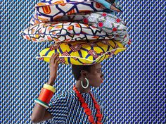 How to use African textiles to create a vibrant and eclectic room scheme Be inspired by the tribal trend and the bright colours and bold prints of African-inspired textiles. Chosen by Homes & Gardens. Bold Prints, Mixing Prints, Mélanger Les Impressions, Tribal Trends, African Textiles, African Prints, Deco Originale, Still Life Photographers, Ankara Styles