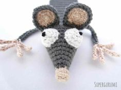 Translation by Gitte: Thanks to Gitte the Book Rat found her way into Danish books, librarys and bookshelfs. Marque-pages Au Crochet, Single Crochet Stitch, Freeform Crochet, Crochet Slippers, Crochet Gifts, Crochet Hooks, Crochet Bookmark Pattern, Crochet Bookmarks, Crochet Amigurumi Free Patterns