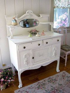 I adore this pretty sideboard <3 *.` and the sweet little porcelain figurines ♥♥♥♥