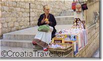The best market for buying interesting souvenirs is the morning market at Gunduliceva Square, in the centre of the Old Town (7am-1pm Mon-Sat). T