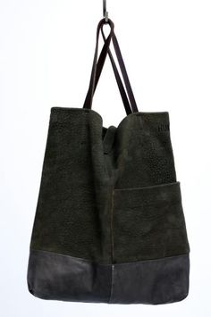 Love the leather/suede combination. Diy Tote Bag, Tote Purse, My Bags, Purses And Bags, Leather Backpack, Leather Bag, Fashion Bags, Fashion Accessories, Sport Chic