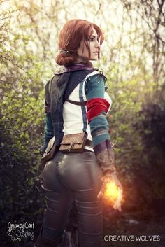 Triss Merigold from The Witcher 2 Cosplayer: GrumpyCait Photographer: Creative Wolves Triss Cosplay, Triss Merigold Cosplay, Ciri, 31 Days Of Halloween, The Witcher 3, Best Cosplay, Awesome Cosplay, Geek Girls, Cosplay Girls