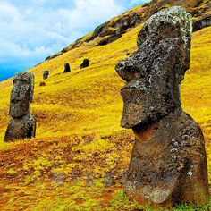 two classic moai @ Rano Raraku volcan slope, (the quarry from which they were hewn) easter island Oh The Places You'll Go, Places To Travel, Places To Visit, Around The World In 80 Days, Around The Worlds, Wonderful Places, Beautiful Places, Tahiti, Patagonia