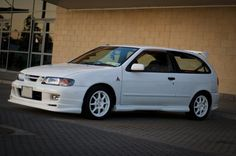 Long Lost Hot Hatches - Nissan Pulsar VZR N1