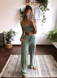 LF Comprinhas | Home | Página inicial Casual Chic Outfits, Looks Style, Casual Looks, Mode Outfits, Fashion Outfits, Fashion Skirts, Modest Fashion, Mode Hippie, Sport Top