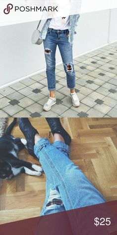 Zara boyfriend jeans Paid $60. Size small, almost new jeans, worn twice. High quality denim. Mid rise. Plaid cutouts. Message me for additional pictures Zara Jeans Boyfriend
